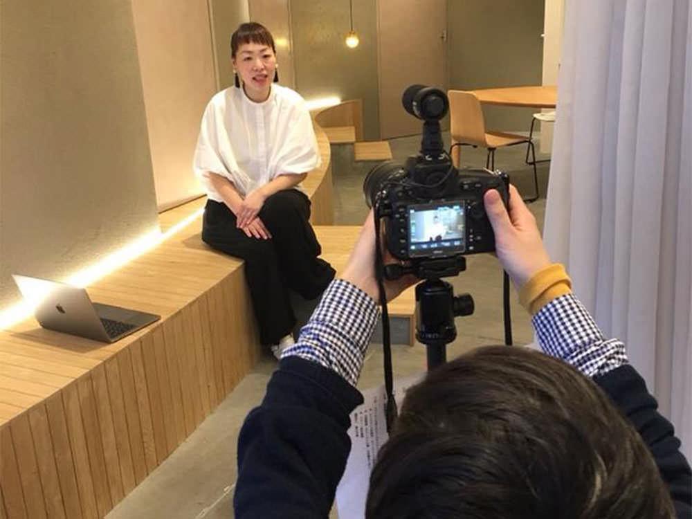 サンナナサロンを作った理由について語る株式会社MEETSHOPの代表取締役である前田晴代の写真