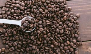 カラダに良くないカフェインが含まれているコーヒー豆のイメージ