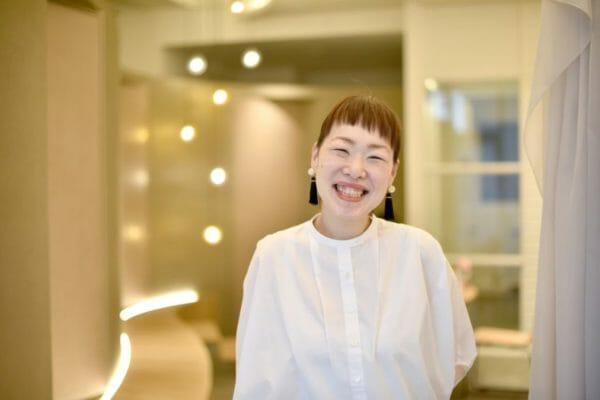 貧血撲滅運動にとりくむ株式会社MEETSHOPの代表取締役であるサンナナサロンの前田晴代の写真
