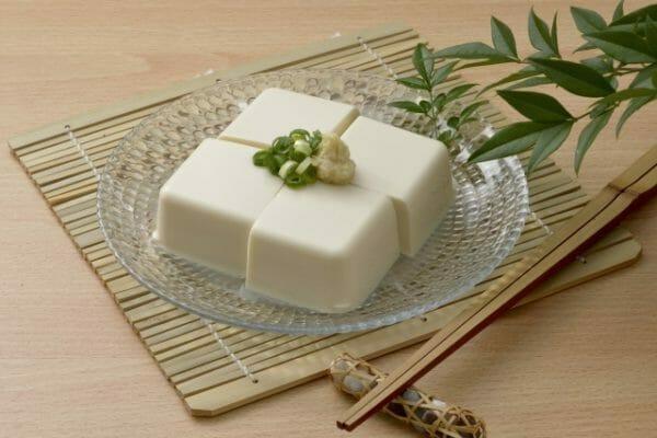 筋トレの後にとりたいタンパク質のイメージとして豆腐の画像