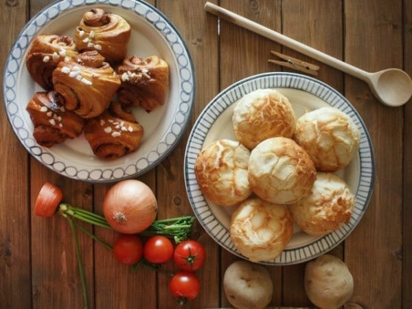 血糖値を上げる小麦のイメージとしてパンの画像