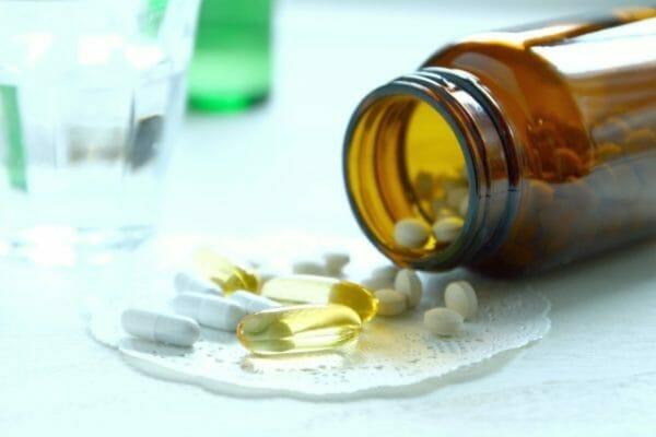 コルチゾールをつくるビタミンCのサプリメントのイメージ