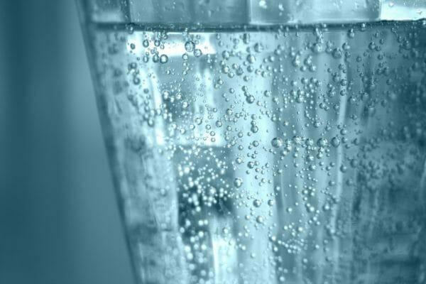 実はカラダに悪影響かもしれない炭酸水のイメージ