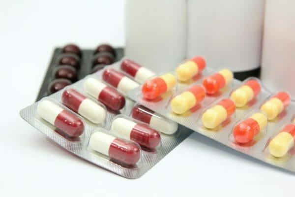 サプリメントの原価や選び方がわかる薬のイメージ
