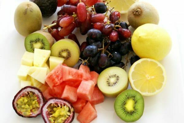 「果糖」と呼ばれる糖質がたくさん含まれている果物のイメージ