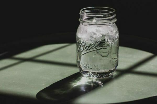 糖質抜きダイエットで体重が減った時に実はいちばん減っている水分のイメージ