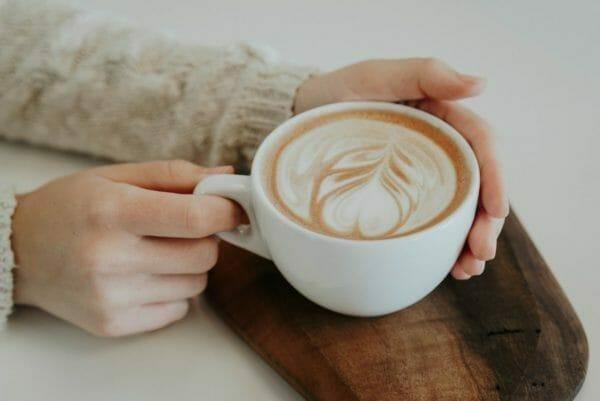 中毒になりやすいカフェインが多く含まれるコーヒーのイメージ