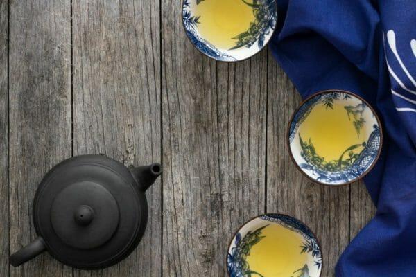血糖値を上げるカフェインが含まれている日本茶のイメージ